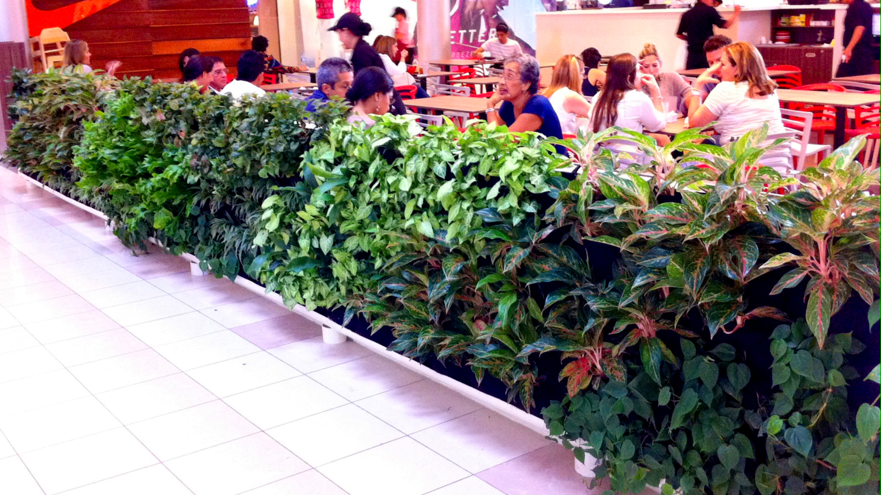 Florafelt Vertical Planters. Design: El Tigra Verde, Panama.