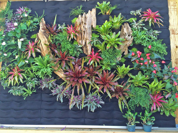 Seth-Strottlemeyer-Oasis-Gardenscapes-Florafelt-Vertical-Garden-Planters-2